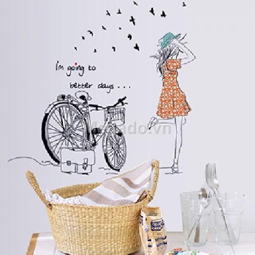 Cô gái và xe đạp B022