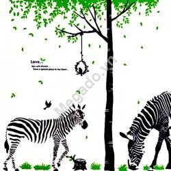 Decal cây xanh và ngựa N084